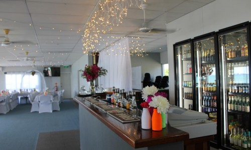 marine-club-whitsundays-bar