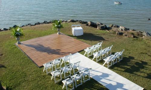 outdoor-ceremony-whitsunday-wedding