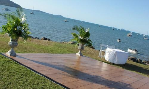 outdoor-wedding-ceremony-whitsundays