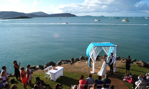 seaside-ceremony-wedding-venue-whitsundays
