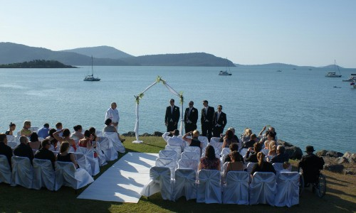 seaside-wedding-ceremony-whitsundays