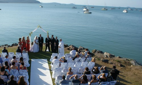 seaside-wedding-ceremony-whitsundays2