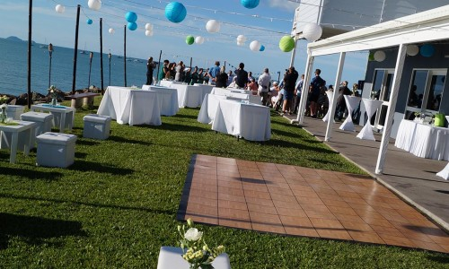 outdoor-cocktail-wedding-setup3
