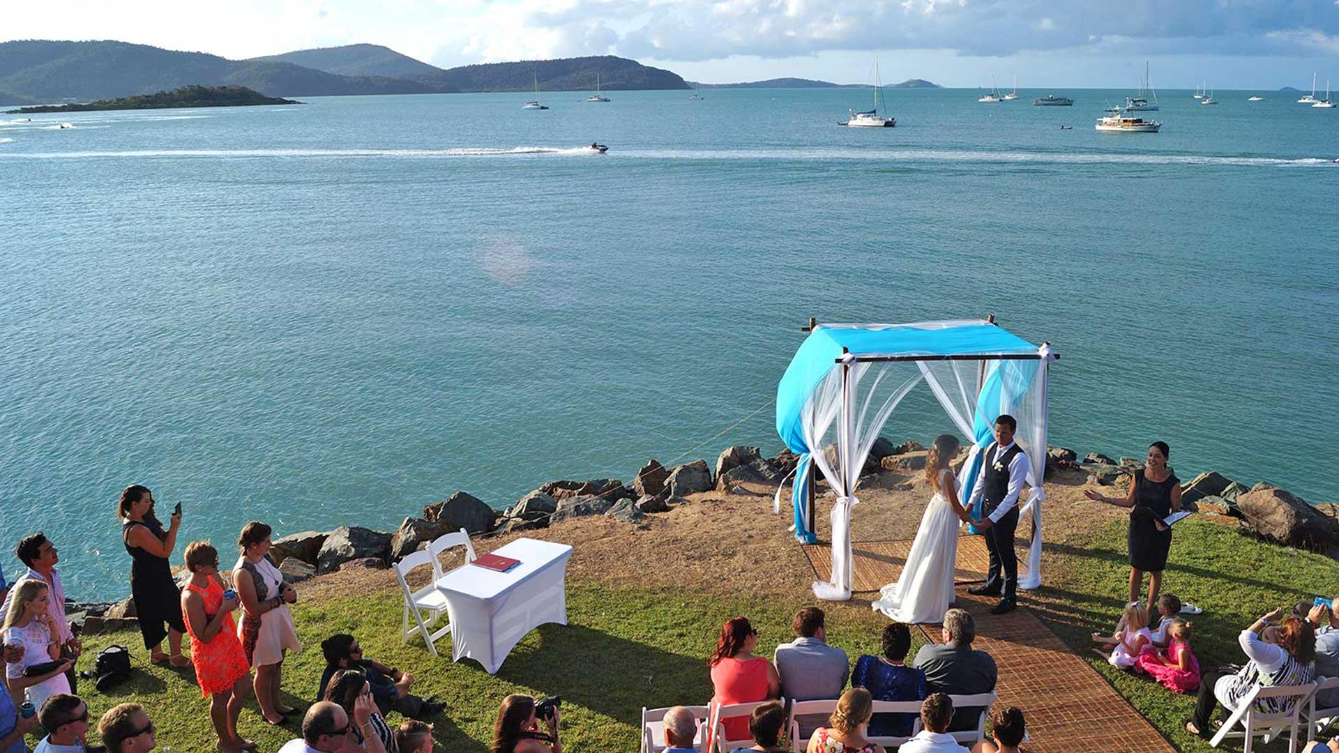 seaside-ceremony-wedding-venue-whitsundays